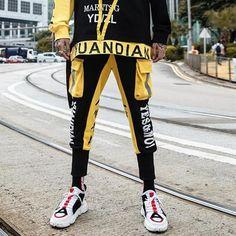 Jogger Pants, Joggers, Sweatpants, Cool Outfits For Men, Male Outfits, Gothic, Best Mens Fashion, Fashion Pants, Men's Fashion