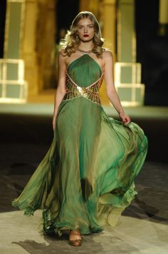 "-Roberto Cavalli Dress ""…He Made you garments.giyi… Roberto Cavalli Dress ""…He Made you garments.giyimlikler de Var etti…"" Nahl Suresi, 81 See it Beautiful Gowns, Beautiful Outfits, Gorgeous Dress, Beautiful Life, Cavalli Dress, Green Gown, Green And Gold Dress, Lime Green Dresses, Sexy Green Dress"