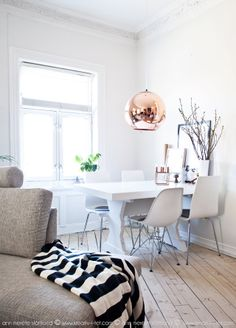 Forandring fryder - svart hvit stue