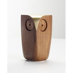 Love this owl as desk decoration (Walnut Owl - Gold @ Howkapow)