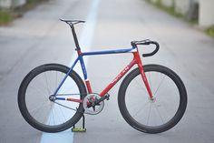 http://www.pedalroom.com/bike/dolan-seta-royal-air-force-23716