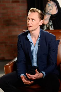 Tom Hiddleston at the Variety Studio-Actors on Actors on April 2, 2016. Source: Torrilla. Full size image: http://ww4.sinaimg.cn/large/6e14d388gw1fa180d15aij22bc1juqml.jpg