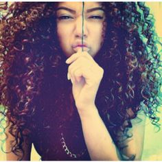 Curly Girl Method- For Normal to Thick Natural Hair Thick Natural Hair, Natural Hair Care, Natural Hair Styles, Cabello Afro Natural, Pelo Natural, Natural Perm, Weave Hairstyles, Cool Hairstyles, Wavy Haircuts
