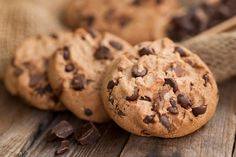 Extraordinary times, call for extraordinary measures, it seems. DoubleTree by Hilton has revealed the secret recipe for its signature chocolate chip cookies that greet guests upon arrival. Best Cookie Recipe Ever, Best Chocolate Chip Cookies Recipe, Chip Cookie Recipe, Best Cookie Recipes, Yummy Cookies, Chocolate Cookies, Melted Chocolate, Chocolate Chips, Biscuits Fondants
