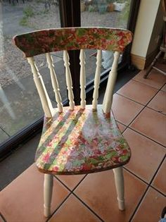 Doveridge Crafts Uttoxeter, Staffordshire - Decopatch chair makeover.
