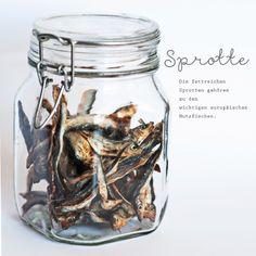 Gesunde Ernährung ist angesagt: Getrocknete Sprotte bestellt bei der Raubtieroase.  http://katzentipps.ch/trockenfisch/