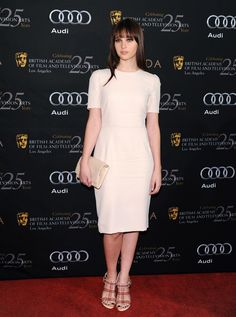 Felicity Jones: Felicity Jones had a breakout role in Like Crazy, and though she's still relatively unknown, a ton of you want to see her play Ana. Many readers noted that she fits the physical bill perfectly as the blue-eyed pretty girl next door. Shades Of Grey Movie, Fifty Shades Of Grey, Felicty Jones, Felicity Rose Hadley Jones, Vanity Fair Oscar Party, Gal Gadot, Work Fashion, Red Carpet, Peplum Dress