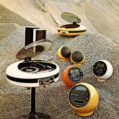 Design is fine. History is mine. — Weltron 2007 Stereo System Series, 1970. Japan....