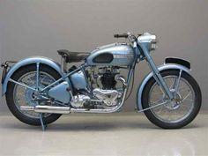 Amethyst Halden: 1950 Triumph Thunderbird