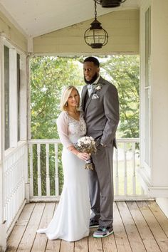 Black, White, And Mint Wedding Interracial Celebrity Couples, Interracial Family, Mature Interracial, Interracial Marriage, Interracial Wedding, Black Guy White Girl, Hot Black Guys, Black And White Love, White Girls