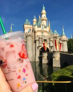 When your nails match your Pink drink 😋💖 _________________________________________ This is strawberry acai with coconut milk AKA PINK drink! Disneyland Paris Christmas, Disneyland Paris Castle, Disneyland Food, Disney Land Pictures, Disney Starbucks, Starbucks Drinks, Comida Disney, Disney Parque, Disney With A Toddler