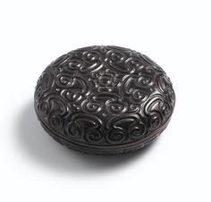 A black lacquer circular tixi box and cover, Ming dynasty, 15th-16th century