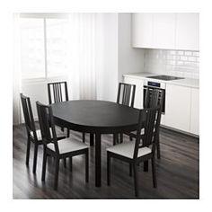 IKEA - BJURSTA, Utdragbart bord, 1 iläggsskiva medföljer.Utdragbart matbord med 1 iläggsskiva; ger plats för 4-6 personer och gör det möjligt att anpassa bordets storlek efter behov.Iläggsskivan förvaras lättillgängligt under bordsskivan när den inte används.Dold låsfunktion förhindrar glipor mellan skivorna och håller iläggsskivan på plats.Den klarlackerade ytan är lätt att torka av.