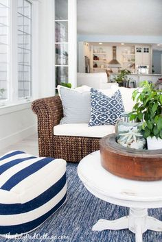 9 Vibrant Tips AND Tricks: California Coastal Home coastal cottage style.Coastal Cottage On Stilts coastal living room and kitchen. Coastal Living Rooms, Home Living Room, Living Spaces, Cottage Living, Lake House Family Room, Cottage Bedrooms, Beach Cottage Style, Beach House Decor, Beach Houses