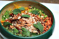 Salmon Power Buddha Bowl -- make! Clean Recipes, Healthy Dinner Recipes, Vegetarian Recipes, Healthy Meals, Healthy Food, Clean Eating, Healthy Eating, Healthy Grains, Buddha Bowl