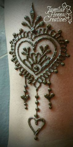Heart henna design www.JamilahHennaC… by ExperienceVintage by PennyLane Heart henna design www.JamilahHennaC… by ExperienceVintage by PennyLane Arte Mehndi, Mehndi Art, Henna Mehndi, Mehendi, Hand Henna, Henna Hands, Henna Designs Easy, Beautiful Henna Designs, Henna Tattoo Designs