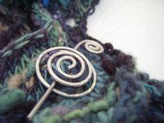Hoi! Ik heb een geweldige listing gevonden op Etsy https://www.etsy.com/nl/listing/105315413/hypnotic-shawlscarf-pin