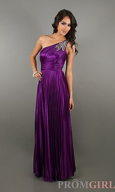 #duongdayslook #One Shoulder Dress #shoulderfashion http://pinterest.com/duongdayslook www.2dayslook.com