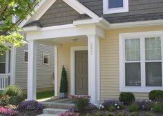 Small Houses, Columns, Front Porch, Windows, Doors, Heel, Little Houses, Tiny Houses, Small Homes