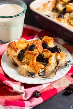 This Eggnog and Cranberry French Toast Bake is the perfect festive brunch recipe; easy to prepare and utterly divine! https://yumgoggle.com/eggnog-and-cranberry-french-toast-bake/ Annie's Noms