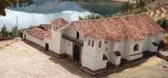 """Canincunca, Cusco, Perú """"Fue levantada en el primer tercio del siglo XVII. Como muchas de ellas, fueron construidas por los titulares de las encomiendas, quienes inicialmente tuvieron el encargo de la Corona de evangelizar a los nativos, tarea que luego pasaría a las órdenes religiosas."""""""