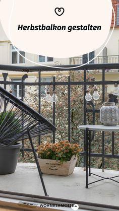 Wenn die Sommerblumen verblüht sind und die Tage kürzer werden, ist es höchste Zeit, Deinen Herbstbalkon zu gestalten. Wir geben Dir hilfreiche Tipps, welche Pflanzen sich dafür eignen und wie es auf Deinem Balkon auch im Herbst gemütlich wird. Summer Flowers, Helpful Tips, Balcony, Decorating, Autumn, Plants, Homes