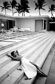 Silver Chameleon: Black and White Fashion Photography by Jeanloup Sieff