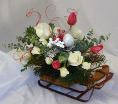 Holiday Floral Centerpieces | Eden's Bower Florists Winter Holiday Gift Ideas