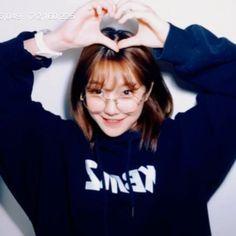 South Korean Girls, Korean Girl Groups, Cute Girls, Cool Girl, Girl Group Pictures, Jeon Somi, Cute Korean, Aesthetic Girl, K Idols