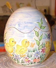 egg  in #ceramic , #Handpainted #Italy