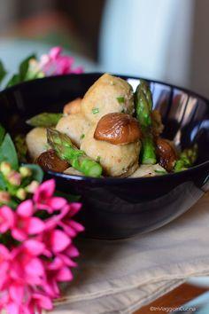 In viaggio in cucina: Polpette di seitan con asparagi e funghi