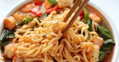 18 Ridiculously Delicious Noodles Recipes That You Must Try Delicious Vegan Recipes, Gourmet Recipes, Vegetarian Recipes, Cooking Recipes, Healthy Recipes, Tasty Noodles Recipe, Asian Recipes, Ethnic Recipes, Hummus Recipe