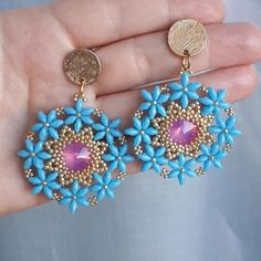 If you own valuable fashion jewelry such as diamond earrings, pendants, diamond rings, or other fine precious jewelry products, you can keep these items for a life time if you look after them. Diy Jewelry, Beaded Jewelry, Jewelery, Handmade Jewelry, Jewelry Making, Fashion Jewelry, Seed Bead Earrings, Beaded Earrings, Gold Earrings