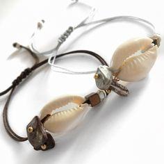 Βραχιόλι με κοχύλι και ημιπολύτιμες πέτρες | Βραχιόλια στο jamjar Summer Accessories, Kai, Headphones, Bracelets, Rings, Leather, Jewelry, Headpieces, Jewlery
