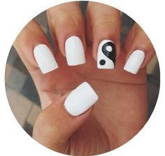Ying yang nails♥