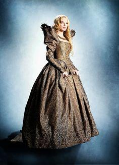 Yvonne Catterfeld in 'Beauty and the Beast/La Belle & La Bête' (2014).