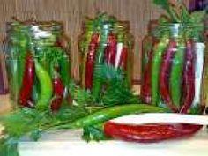 Ardei iuti in saramura Green Beans, Vegetables, Jars, Food, Canning, Pots, Essen, Vegetable Recipes, Jar