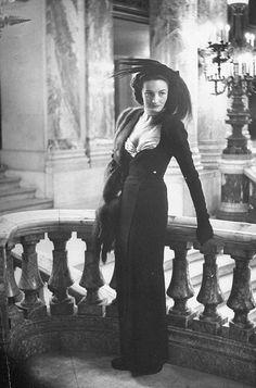 Photo by Nina Leen 1951