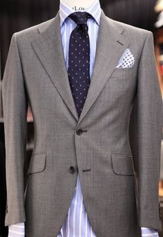 Polka Dots are a Hilton staple pattern. Just look at that pocket handkerchief!!
