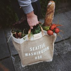 love seattle! see my favorite parts of discovery park and engagement photos, plus who to use for your save the dates, on southern elle style! http://southernellestyle.com/blogfeed/engagmenent-photo-series-pt-3-who-to-use-for-save-the-dates