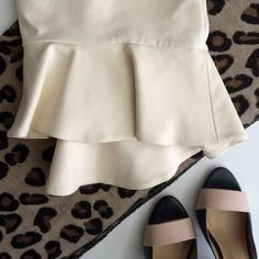 Zara skirt New with tag. Material is stretchy and zipper on the side. 52% Cotton 45% Polyester 3% Elastane Zara Skirts