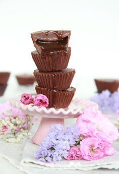 Como hacer el mejor toffee casero y bombones rellenos Confectionery, Mini Desserts, High Tea, Chocolate Covered, Toffee, Candy Recipes, Chocolate Recipes, Sweetest Thing, Love