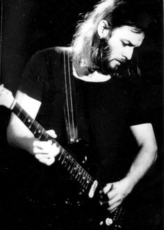David Gilmour | Pink Floyd...left handed?must be a negative..