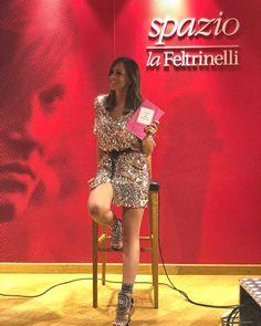 """Serena Garitta del Grande Fratello diventa scrittrice: in libreria """"Ti meriti una vestita di marrone"""""""