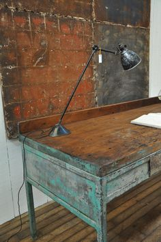 love old finishes/worn wood floors ~1950-painted-metal-workbench Espace Nord Ouest