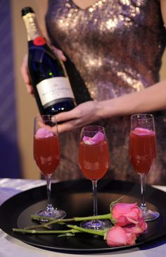 """Moet Red Carpet Glamour"" drinks"