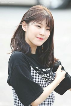 Kpop Girl Groups, Korean Girl Groups, Kpop Girls, Cute Girls, Cool Girl, My Girl, Pretty Girls, Pretty Asian, Beautiful Asian Girls