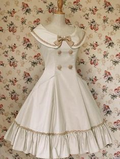 Mary Magdalene classic lolita dress I would make this a sailor dress. Looks kind of like little Eleanor's dress from Bioshock Style Lolita, Mode Lolita, Gothic Lolita, Pretty Outfits, Pretty Dresses, Beautiful Dresses, Cute Outfits, Vintage Outfits, Vintage Dresses