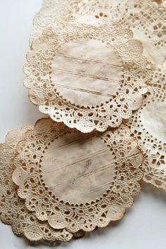 Coffee-Dyed Doilies Tutorial ~ Great heritage page embellishments. Doilies Crafts, Lace Doilies, Creative Crafts, Diy And Crafts, Arts And Crafts, Diy Paper, Paper Art, Paper Crafts, Papel Doilie