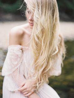 Delicate Outdoor Bridal Portrait Ideas